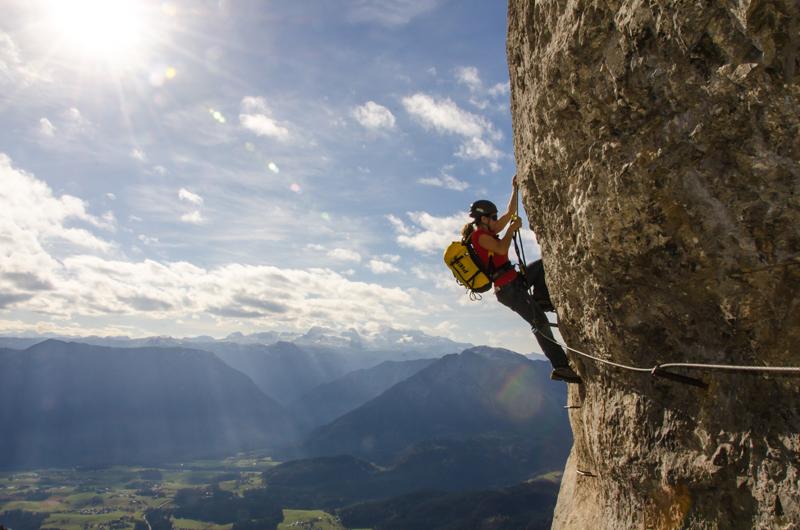 Klettersteigset Mit Seilklemme : Sicheres klettersteiggehen gute ausrüstung planung & ausbildung